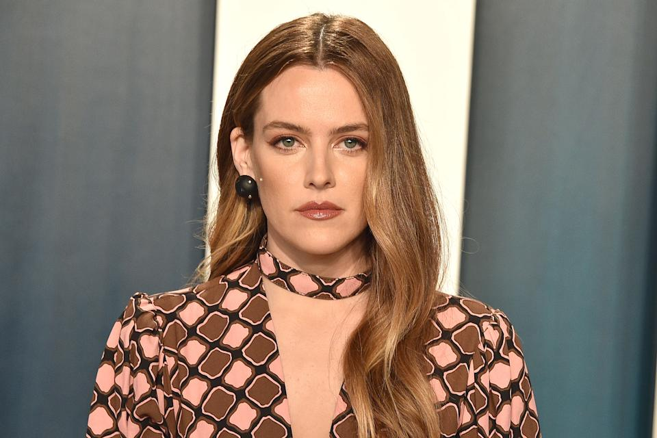 Riley Keough attends the 2020 Vanity Fair Oscar Party