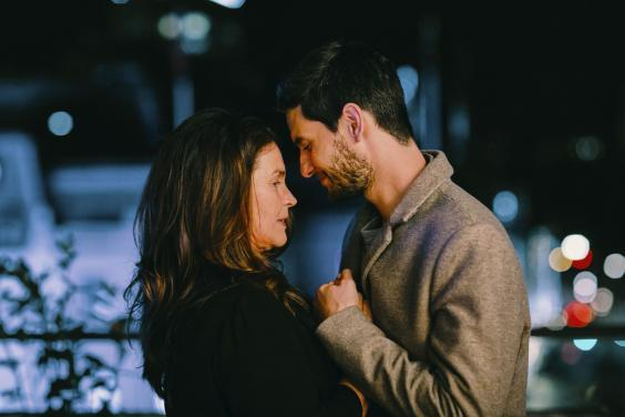 Julia Ormond and Ben Barnes in 'Gold Digger' (BBC)