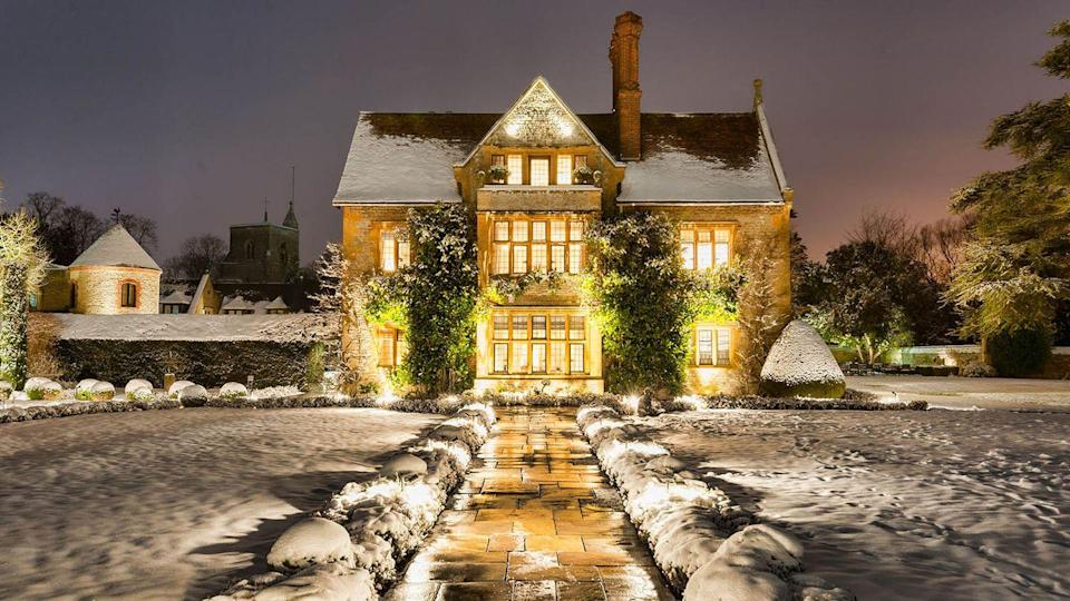 """<p>One of the country's most cherished manor houses, <a href=""""https://go.redirectingat.com?id=127X1599956&url=https%3A%2F%2Fwww.booking.com%2Fhotel%2Fgb%2Fbelmond-le-manoir-aux-quat-39-saisons.en-gb.html%3Faid%3D1922306%26label%3Dchristmas-hotels&sref=https%3A%2F%2Fwww.goodhousekeeping.com%2Fuk%2Flifestyle%2Ftravel%2Fg37595542%2Fchristmas-hotels%2F"""" rel=""""nofollow noopener"""" target=""""_blank"""" data-ylk=""""slk:Belmod Le Manoir Aux Quat'Saisons"""" class=""""link rapid-noclick-resp"""">Belmod Le Manoir Aux Quat'Saisons</a> is the place for a foodie-filled Christmas break. From its beautiful gardens and orchards to postcard-perfect architecture that's even prettier when it snows, you'll have a thoroughly good time at Raymond Blanc's luxury hotel. Over the festive period, there's a six-course Christmas Eve dinner with live musicians, a Michelin-starred-worthy Christmas Day lunch, cookery demonstrations and wine tastings, as well as a birds of prey experience in the garden.</p><p><a class=""""link rapid-noclick-resp"""" href=""""https://go.redirectingat.com?id=127X1599956&url=https%3A%2F%2Fwww.booking.com%2Fhotel%2Fgb%2Fbelmond-le-manoir-aux-quat-39-saisons.en-gb.html%3Faid%3D1922306%26label%3Dchristmas-hotels&sref=https%3A%2F%2Fwww.goodhousekeeping.com%2Fuk%2Flifestyle%2Ftravel%2Fg37595542%2Fchristmas-hotels%2F"""" rel=""""nofollow noopener"""" target=""""_blank"""" data-ylk=""""slk:CHECK AVAILABILITY"""">CHECK AVAILABILITY</a></p>"""