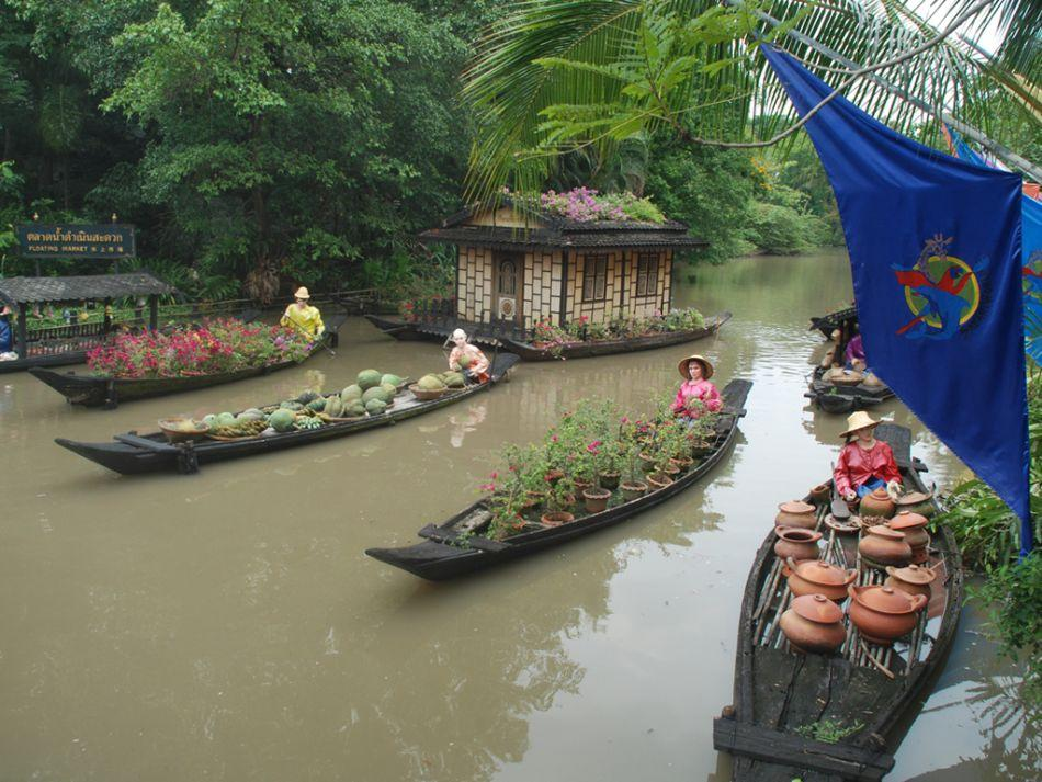 A replica of the Floating Market at Bangkok's Safari World