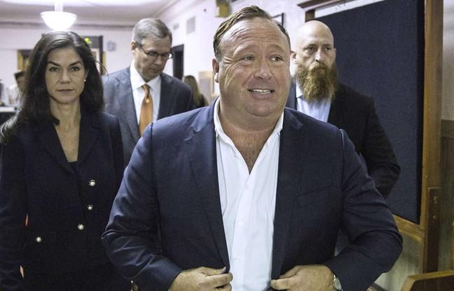 Les géants du web passent à l'offensive contre le complotiste Alex Jones
