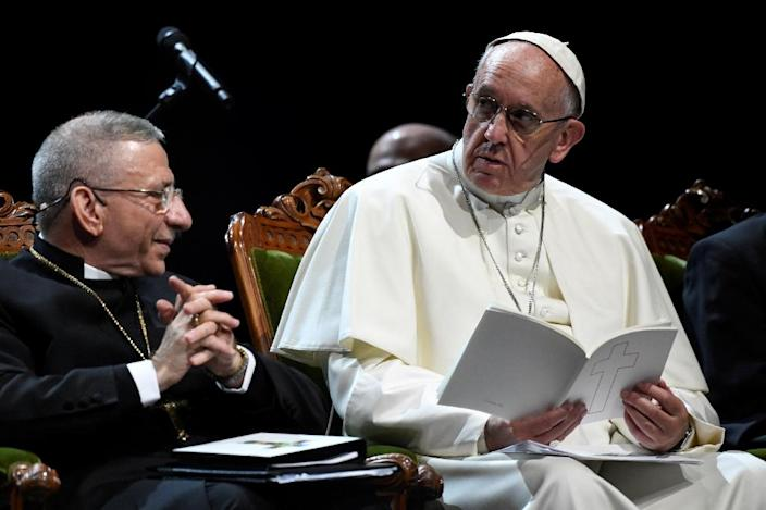 President of the Lutheran World Federation Bishop Munib Younan (L)and Pope Francis attend an ecumenical event at the Malmo Arena on October 31, 2016 in Malmo, Sweden (AFP Photo/Jonathan Nackstrand)