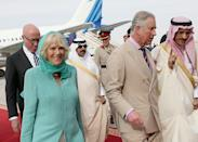 <p>Camilla, Duchess of Cornwall, arrived with Prince Charles in Riyadh, Saudi Arabia, in 2013 wearing a head covering that she reportedly lowered around her neck while indoors. (Photo: Getty Images) </p>