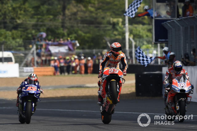 "Ganador de la carrera Marc Marquez, Repsol Honda Team <span class=""copyright"">Gold and Goose / LAT Images</span>"