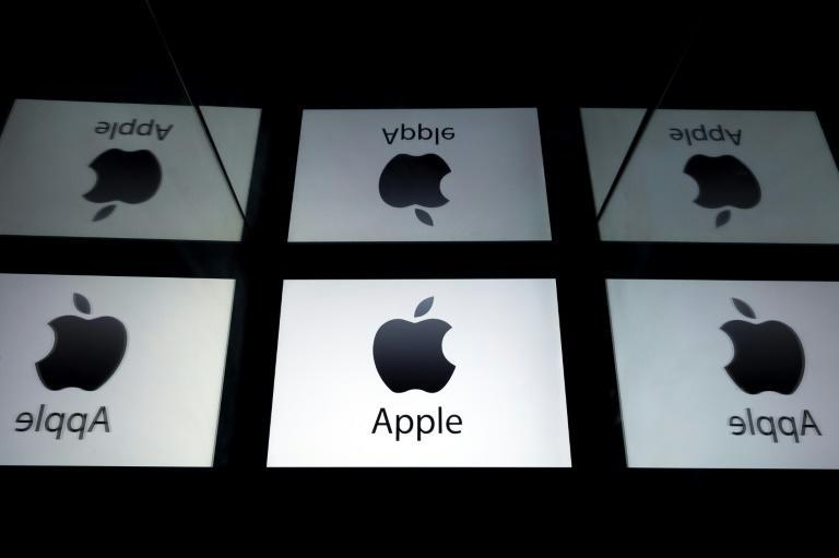"""Apple News will now feature podcasts -- daily audio news briefings along with """"audio stories"""" (AFP Photo/Lionel BONAVENTURE)"""