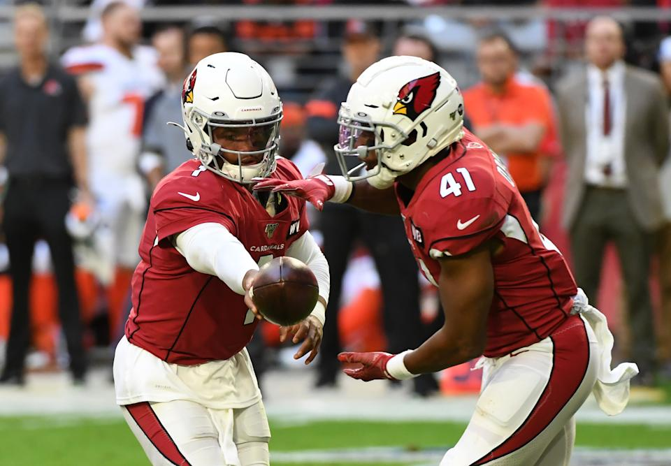 GLENDALE, ARIZONA - DECEMBER 15: Kenyan Drake #41 of the Arizona Cardinals takes a handoff from Kyler Murray #1 during a game against the Cleveland Browns at State Farm Stadium on December 15, 2019 in Glendale, Arizona. Cardinals won 38-24. (Photo by Norm Hall/Getty Images)