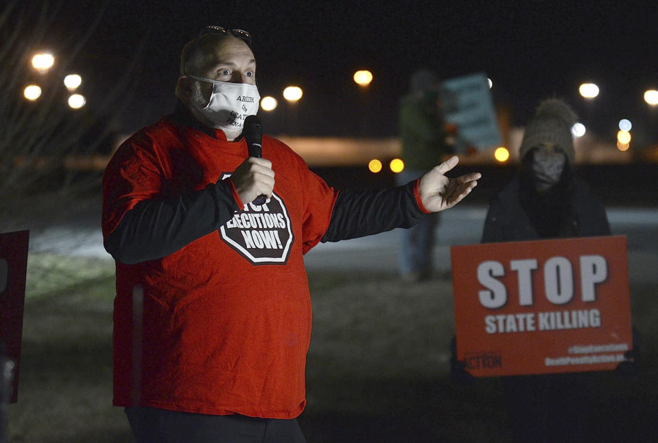 Abe Bonowitz, co-director of Death Penalty Action, talks about the efforts to stop the death penalty during the protest of the execution of Corey Johnson, Thursday, Jan. 14, 2021, near the Federal Correctional Complex in Terre Haute, Ind. (Joseph C. Garza/The Tribune-Star via AP)