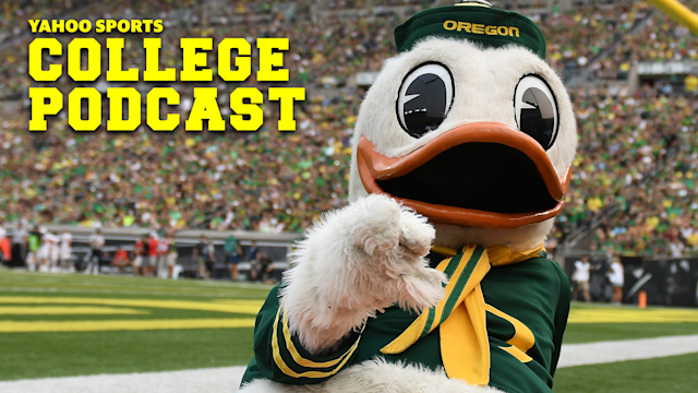EUGENE, OR - The Oregon Ducks mascot, Puddles, performs during a TV timeout during a college football game at Autzen Stadium in Eugene, OR. Oregon is set to face off against their hated rivals, Washington, in a critical PAC-12 North battle this Saturday. (Photo by Brian Murphy/Icon Sportswire via Getty Images)
