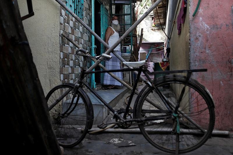 Amid Coronavirus and Cyclones, Dharavi is Just a Canary in a Coal Mine for Megacity Slums