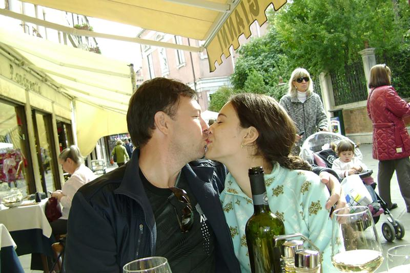 Dolganovskaya is seen kissing her ex-husband. Source: East2West News/Australscope