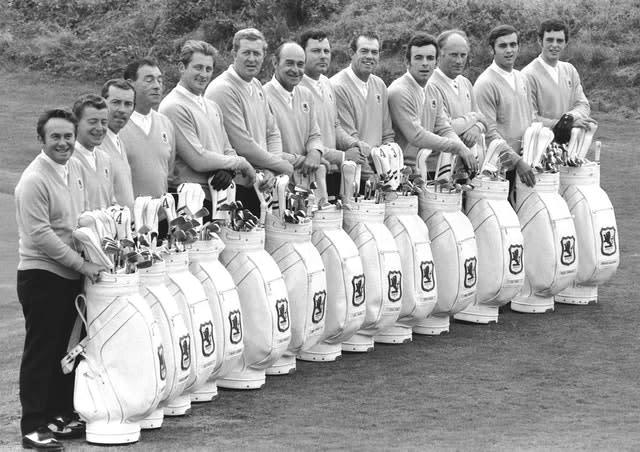 Brian Barnes (fifth left) with Britain's 1969 Ryder Cup team (PA)