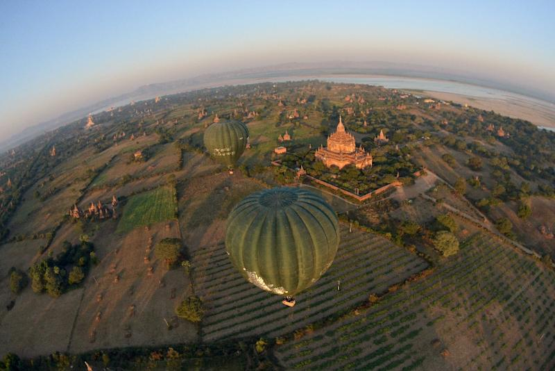 Nearly half a million foreign tourists, including package tourists and independent travellers, arrived through Myanmar's main city gateway Yangon in 2015, more than double the number in 2011 (AFP Photo/Ye Aung Thu)
