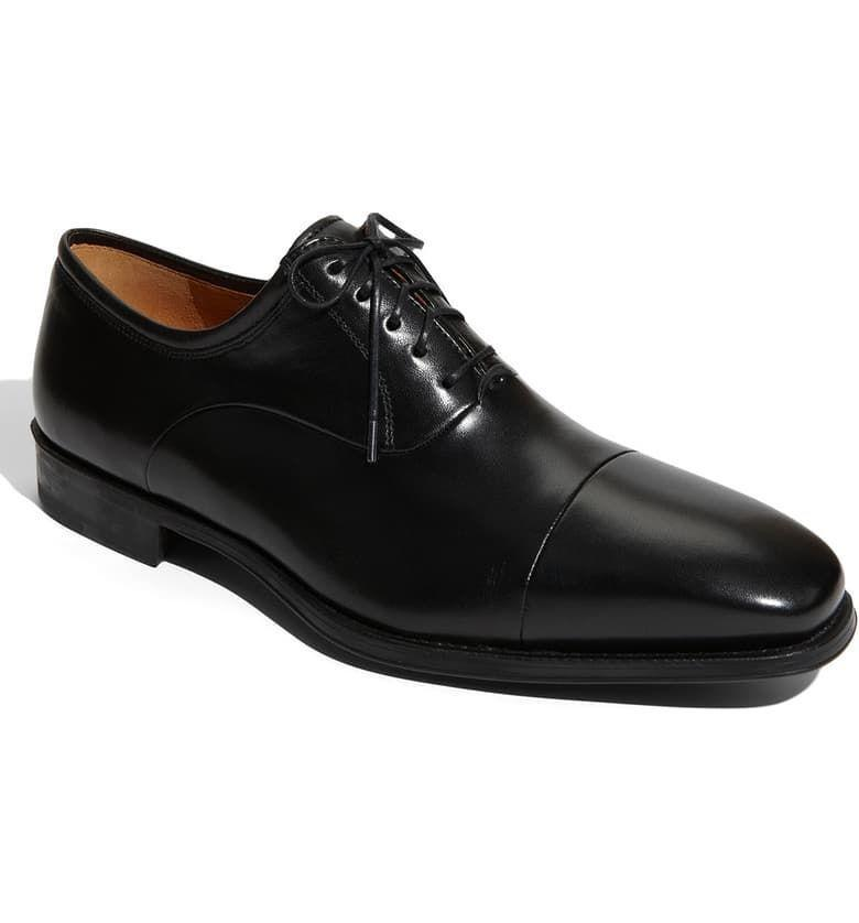"""<p><strong>MAGNANNI</strong></p><p>nordstrom.com</p><p><strong>$245.00</strong></p><p><a href=""""https://go.redirectingat.com?id=74968X1596630&url=https%3A%2F%2Fshop.nordstrom.com%2Fs%2Fmagnanni-federico-oxford%2F3155549&sref=https%3A%2F%2Fwww.menshealth.com%2Fstyle%2Fg19545927%2Fbest-dress-shoes%2F"""" rel=""""nofollow noopener"""" target=""""_blank"""" data-ylk=""""slk:BUY IT HERE"""" class=""""link rapid-noclick-resp"""">BUY IT HERE</a></p><p>Want something even more dressy? The shine in this Ted Magnanni oxford gives the standard shoe a refined, sleek update.</p>"""