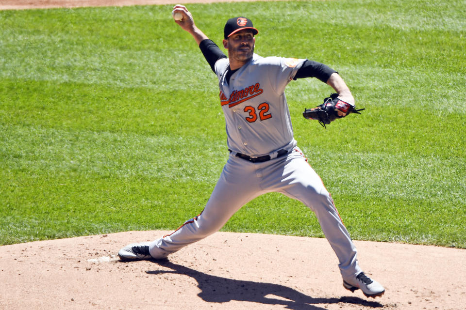 Baltimore Orioles starting pitcher Matt Harvey (32) delivers during the first inning in the first baseball game of a doubleheader against the Chicago White Sox, Saturday, May 29, 2021, in Chicago. (AP Photo/Matt Marton)