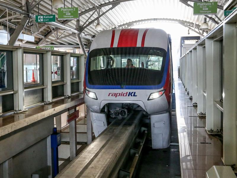 The four-car Monorail train is pictured at the Titiwangsa station in Kuala Lumpur August 20, 2019. — Picture by Firdaus Latif