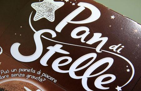 "A ""Pan di Stelle"" chocolate cake package is displayed in this picture illustration taken November 17, 2018. REUTERS/Stefano Rellandini/Illustration"