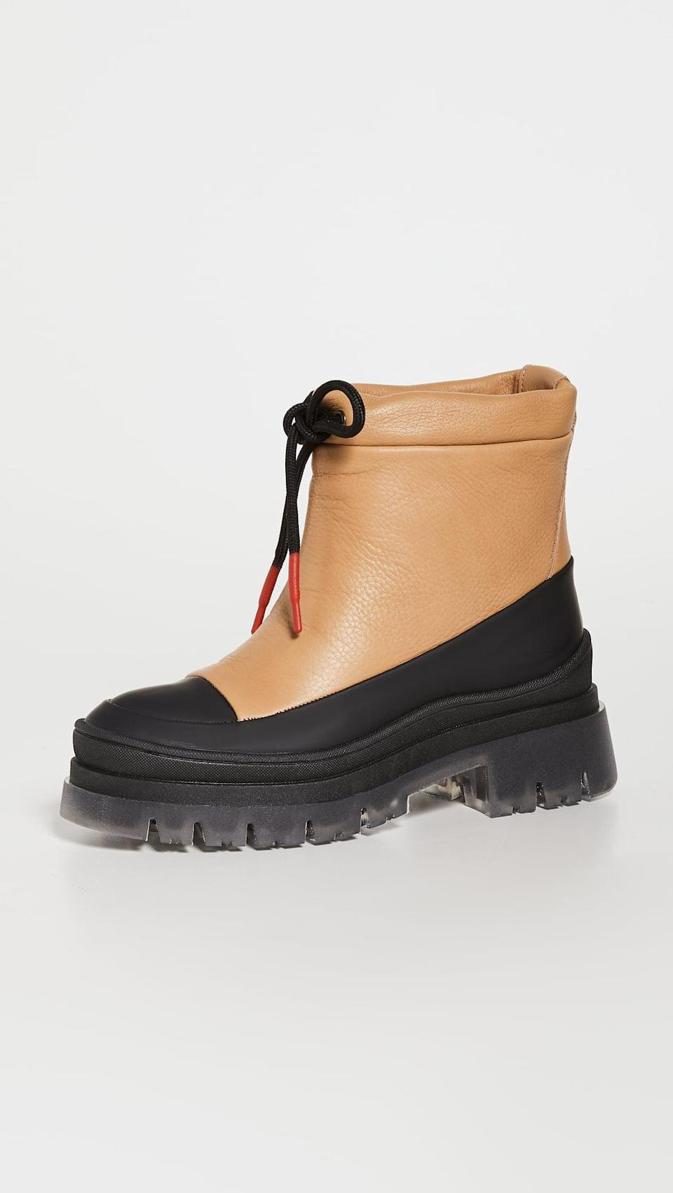 <p>These <span>Montelliana Lucy Rainboots</span> ($355) are so cool. We love the drawstring at the top because it'll help keep the water out.</p>