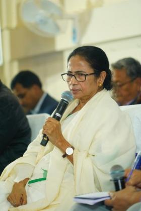 Those who don't have political existence are calling strikes: Mamata slams Left and Congress