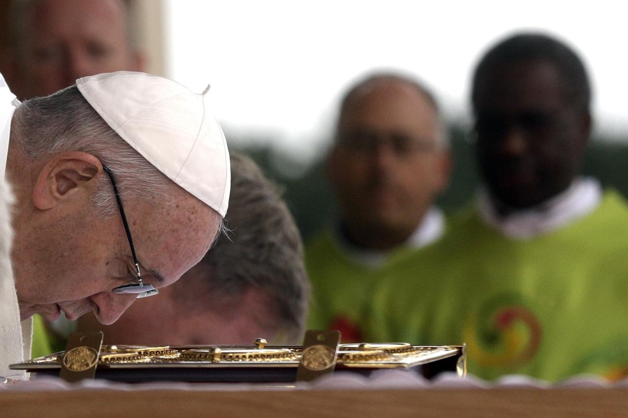 <p>Pope Francis celebrates Mass at the Phoenix Park in Dublin, Ireland, Sunday, Aug. 26, 2018. Pope Francis is on a two-day visit to Ireland. (Photo: Gregorio Borgia/AP) </p>
