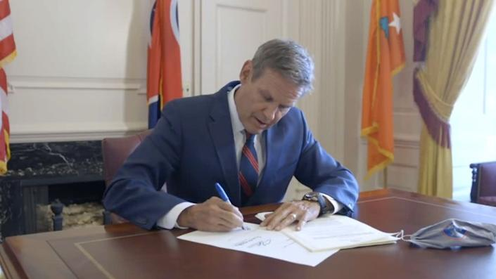 Tennessee Gov. Bill Lee (R) signs an extreme abortion ban into law on Facebook Live. (Photo: Facebook/GovBillLee)