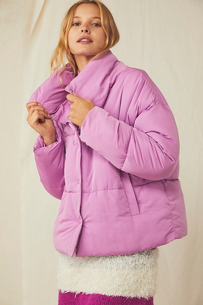 "<br><br><strong>Free People</strong> Weekender Puffer Jacket, $, available at <a href=""https://go.skimresources.com/?id=30283X879131&url=https%3A%2F%2Fwww.freepeople.com%2Fshop%2Fweekender-puffer-jacket"" rel=""nofollow noopener"" target=""_blank"" data-ylk=""slk:Free People"" class=""link rapid-noclick-resp"">Free People</a>"