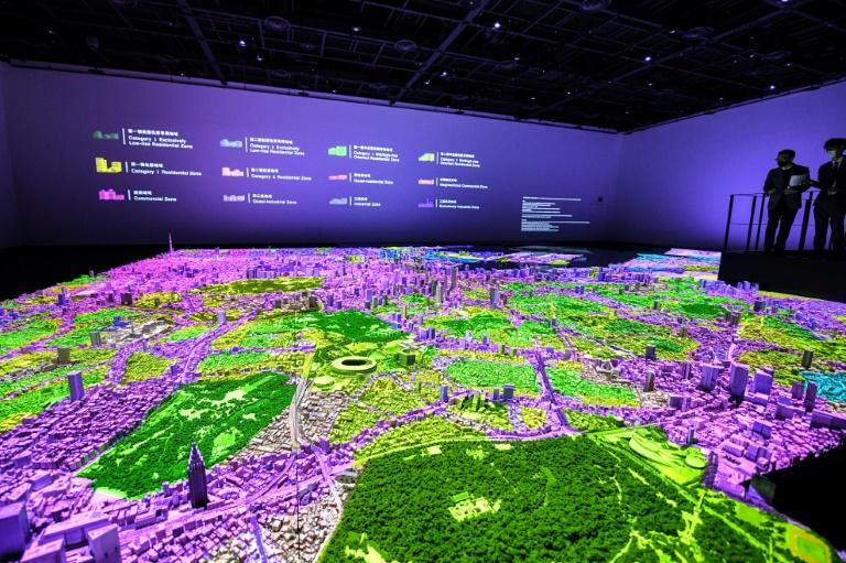 Pairing a 3-D model with projection mapping, the Urban Lab project at Tokyo's Mori Building aims to display information about the Japanese capital in visually arresting ways