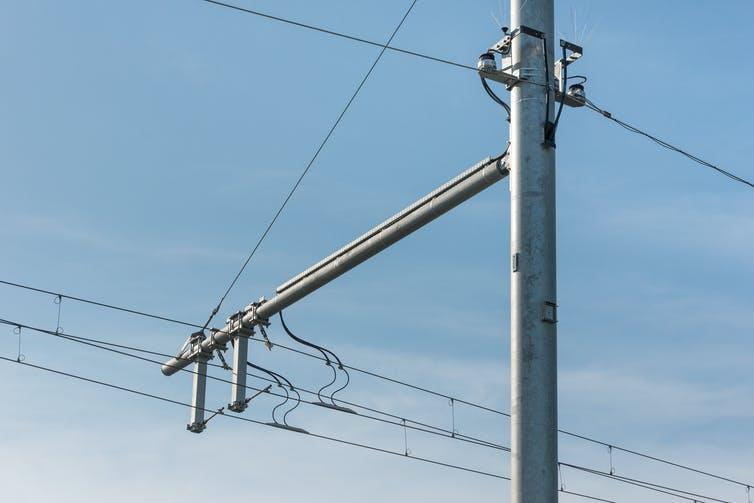 An overhead voltage cable on an e-highway track.