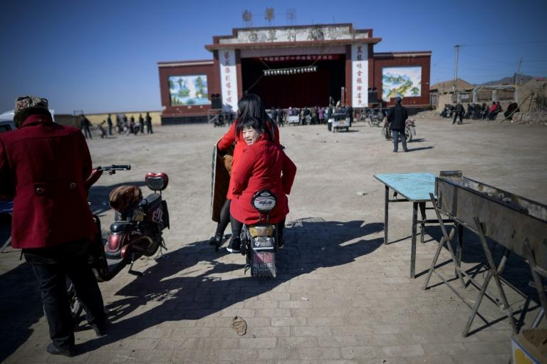 Yu County Jin Opera Troupe in northern Hebei province is struggling to survive with paying audiences sparse