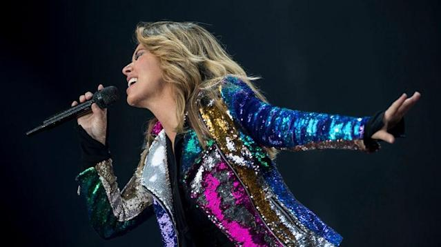 Shania Twain's return from a 15-year hiatus went straight to No. 1 on the Billboard 200, while Tom Petty's <em>Greatest Hits</em> surged to No. 2.
