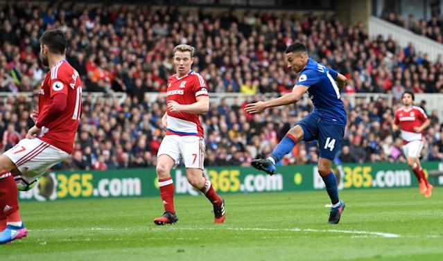<p>Lingard grabs a second for United </p>