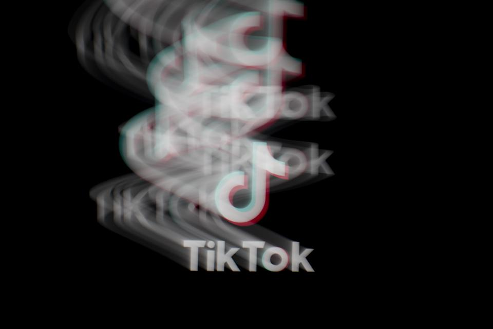 The logo for ByteDance Ltd.'s TikTok app is arranged for a long exposure photograph on a smartphone in Sydney, New South Wales, Australia, on Monday, Sept. 14, 2020. Photo: Brent Lewin/Bloomberg