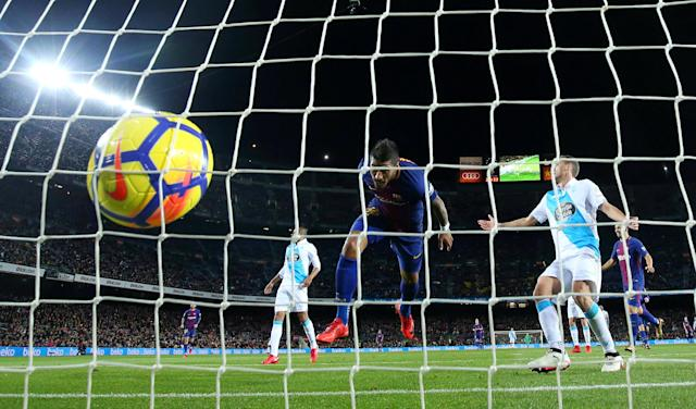 Soccer Football - La Liga Santander - FC Barcelona vs Deportivo de La Coruna - Camp Nou, Barcelona, Spain - December 17, 2017 Barcelona's Paulinho scores their fourth goal REUTERS/Albert Gea TPX IMAGES OF THE DAY