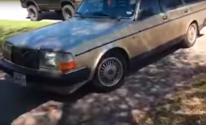 This old Volvo has a very annoying door chime. Photo: Youtube
