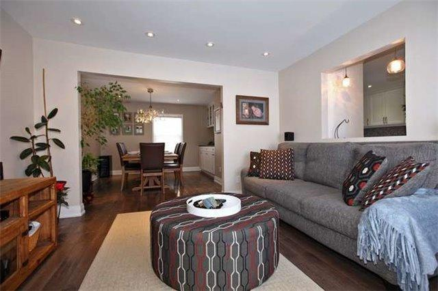 "<p><a href=""https://www.zoocasa.com/toronto-on-real-estate/5023112-89-charleswood-dr-toronto-on-m3h1x5-c4016003"" rel=""nofollow noopener"" target=""_blank"" data-ylk=""slk:89 Charleswood Dr., Toronto, Ont."" class=""link rapid-noclick-resp"">89 Charleswood Dr., Toronto, Ont.</a><br> This 1.5-storey home has undergone many renovations and updates.<br> (Photo: Zoocasa) </p>"