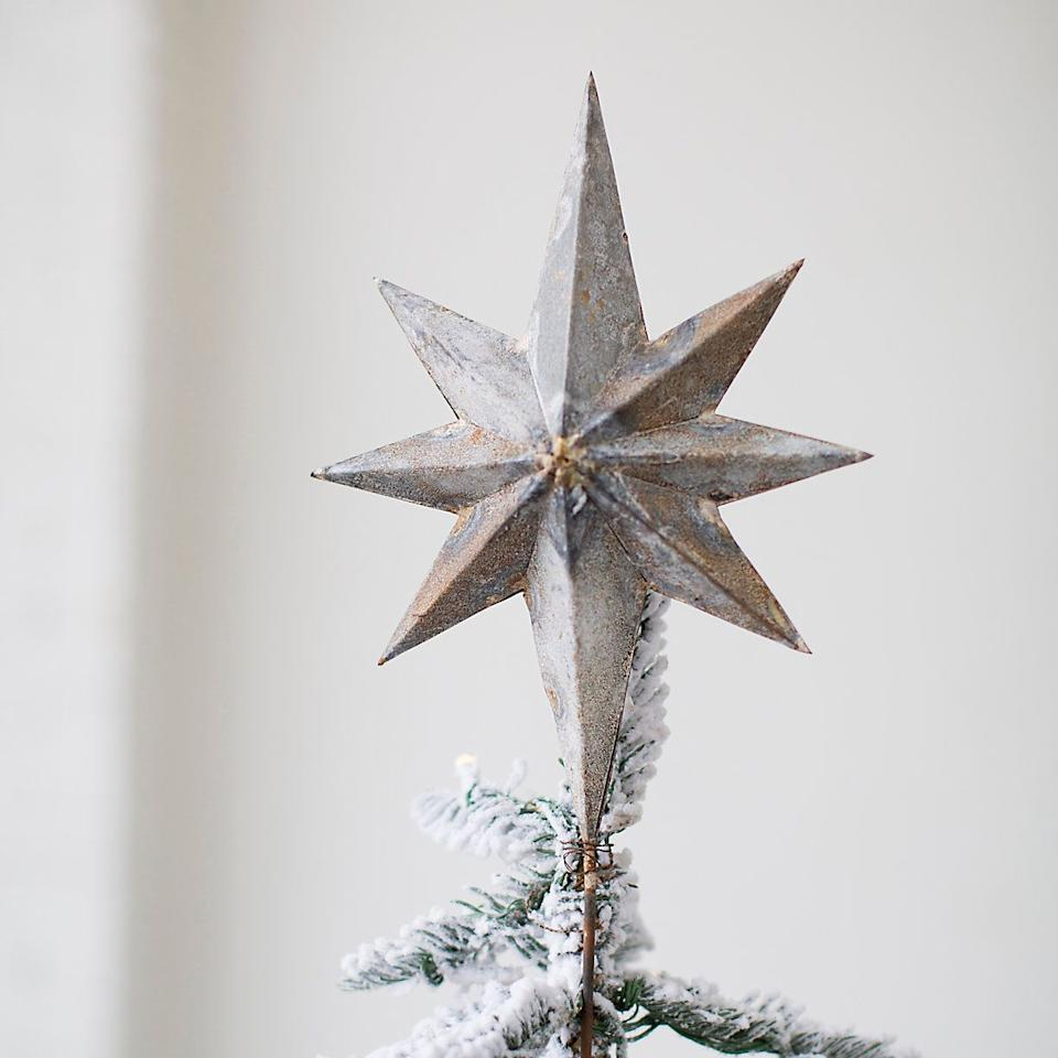 35 Unique Christmas Tree Toppers to Cap off Your Holiday Decor