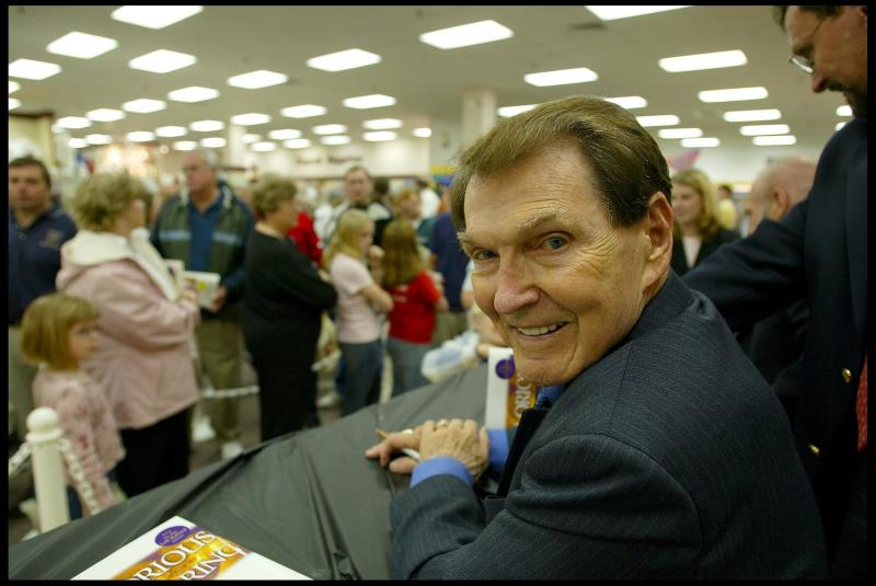 Evangelical author Tim LaHaye at a book signing in South Carolina in 2004. (David Howells via Getty Images)