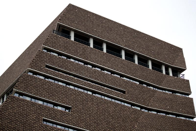 A picture shows the viewing platform level of the Tate Modern gallery in central London on August 5, 2019. - A six-year-old boy thrown from a tenth-floor viewing platform at London's Tate Modern gallery is no longer in a life-threatening condition, police said Monday. A 17-year-old boy arrested following the incident on Sunday afternoon remains in custody, on suspicion of attempted murder. (Photo by Tolga Akmen / AFP) (Photo credit should read TOLGA AKMEN/AFP via Getty Images)