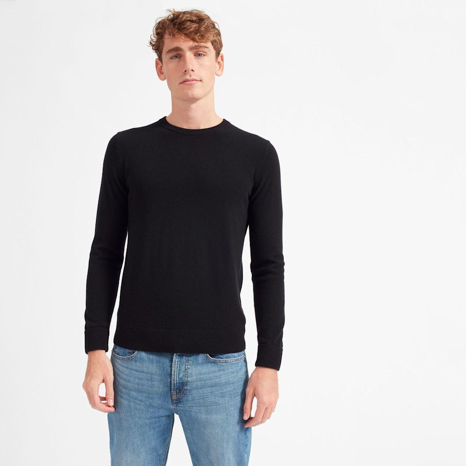 """<p><strong>everlane</strong></p><p>everlane.com</p><p><strong>$130.00</strong></p><p><a href=""""https://go.redirectingat.com?id=74968X1596630&url=https%3A%2F%2Fwww.everlane.com%2Fproducts%2Fmens-cashmere-crew3-black&sref=https%3A%2F%2Fwww.countryliving.com%2Fshopping%2Fgifts%2Fg23496922%2Fteen-boy-gifts%2F"""" rel=""""nofollow noopener"""" target=""""_blank"""" data-ylk=""""slk:Shop Now"""" class=""""link rapid-noclick-resp"""">Shop Now</a></p><p>He'll love this classic cashmere sweater, which is as chic as it is comfy. It's a simple way to upgrade your teen's wardrobe.</p>"""