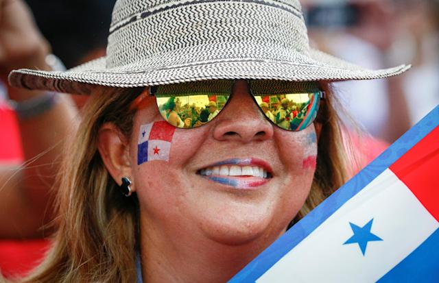 Soccer Football - FIFA World Cup - Group G - England v Panama - Nizhny Novgorod, Russia - June 24, 2018 - A supporter of Panama soccer team gets ready for the match. REUTERS/Gleb Garanich