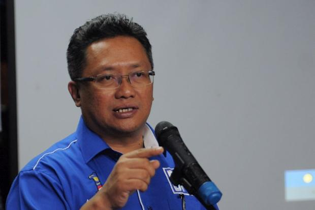 Datuk Seri Abdul Rahman Dahlan (pic) claimed that Lim Kit Siang and his son Lim Guan Eng were controlling the federal Opposition party, causing deep-seated nepotism. — Picture by KE Ooi