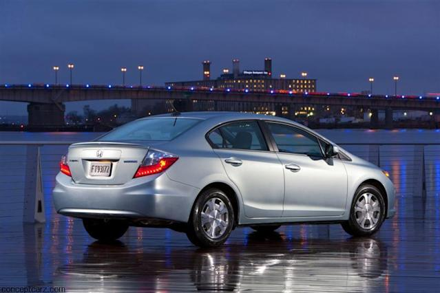 """<span><b>Good effort</b></span><b><a href=""""http://autos.yahoo.com/honda/civic-hybrid/"""" data-ylk=""""slk:Honda Civic Hybrid"""" class=""""link rapid-noclick-resp"""">Honda Civic Hybrid</a></b><br>EPA: 44 mpg combined<br>Real world: 43-44 mpg<br><br>Honda's highest-mileage hybrid on paper isn't quite as good in the real world as the cheaper Insight, but most drivers are still matching the official 44 mpg combined rating. That means you can either appreciate the Civic Hybrid for what it is--a usefully economical sedan--or save a few thousand and buy an <a href=""""http://autos.yahoo.com/honda/insight/"""" data-ylk=""""slk:Insight"""" class=""""link rapid-noclick-resp"""">Insight</a> instead..."""