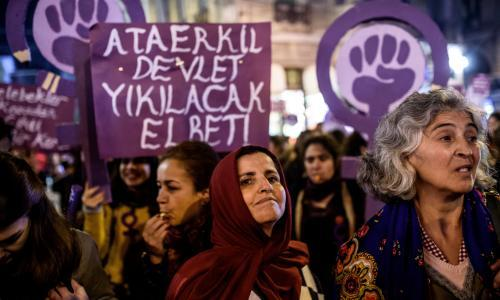 Turkish activists oppose amnesties for child rapists