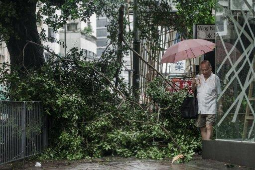 Hong Kong authorities on Tuesday raised the typhoon warning to the most severe level of 10 for the first time since 1999