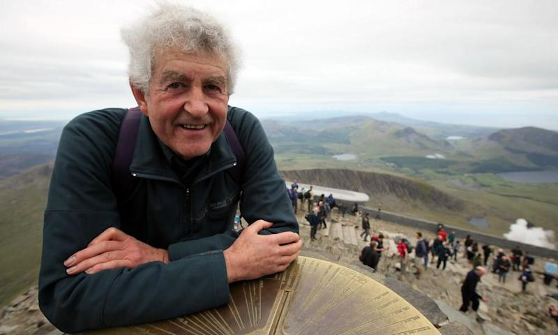 Rhodri Morgan at the summit of Snowdon in 2009