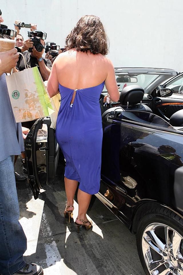 """Britney takes off without leaving a note for the owner of the other car. David Rohmer/<a href=""""http://www.x17online.com"""" target=""""new"""">X17 Online</a> - August 6, 2007"""