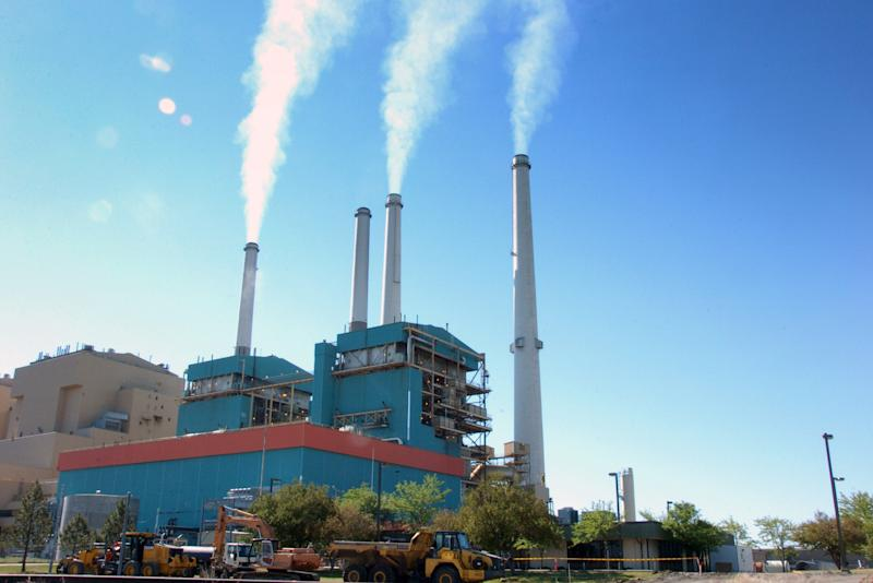 Obama carbon rule gives states more time to comply