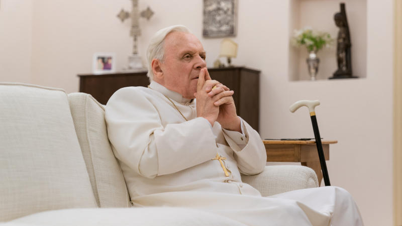 Anthony Hopkins as Pope Benedict XVI in 'The Two Popes'. (Credit: Netflix/Peter Mountain)
