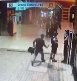 The man approaches the officers at Central Station. Source: The Sunday Telegraph