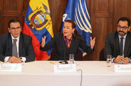 Ecuador's Foreign Minister Maria Fernanda Espinosa gestures while addressing the media next to Vice Ministers Rolando Suarez (L) and Jose Luis Jacome in Quito, Ecuador January 11, 2018.  REUTERS/Daniel Tapia