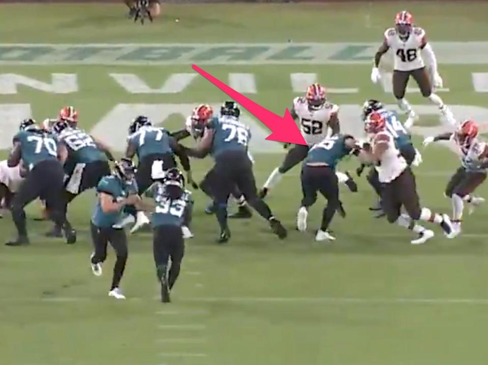 Tim Tebow struggles to block at tight end for the Jaguars.